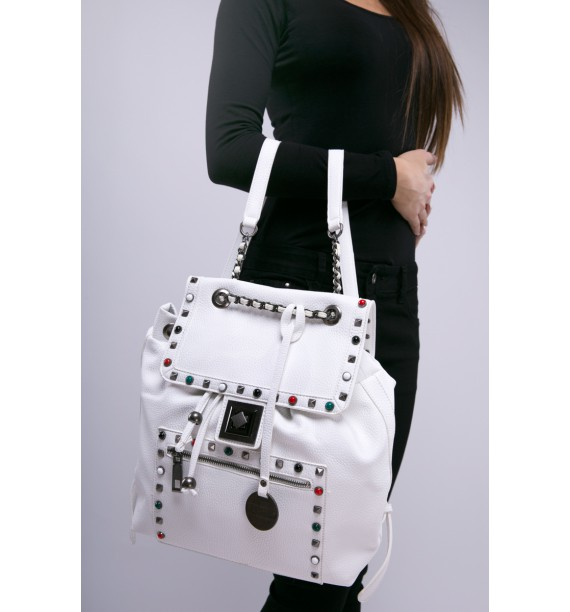 Plecak damski biały z kolorowymi ćwiekami