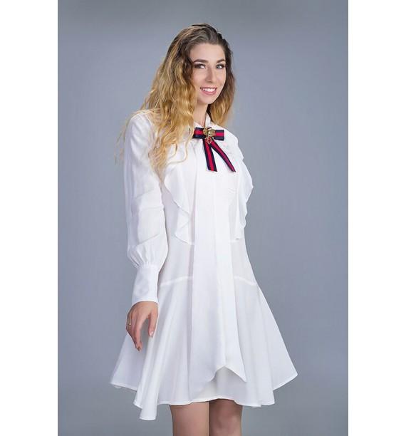 Sukienka krótka z szarfą i falbanami biała