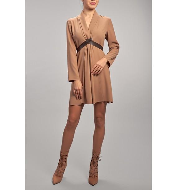 Sukienka krótka klasyczna kamelowa